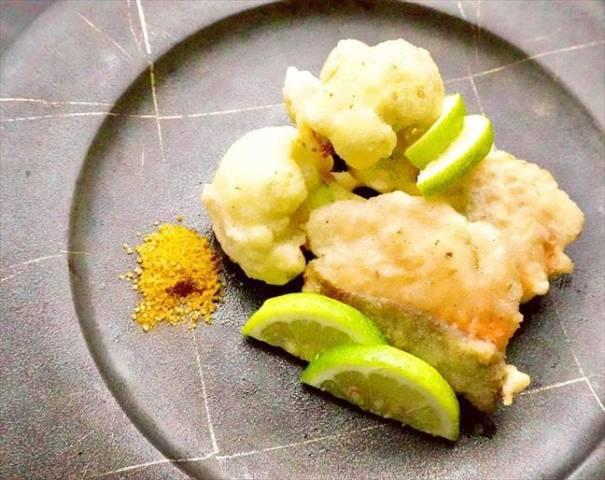 秋鮭とカリフラワーのフリット・カレー塩