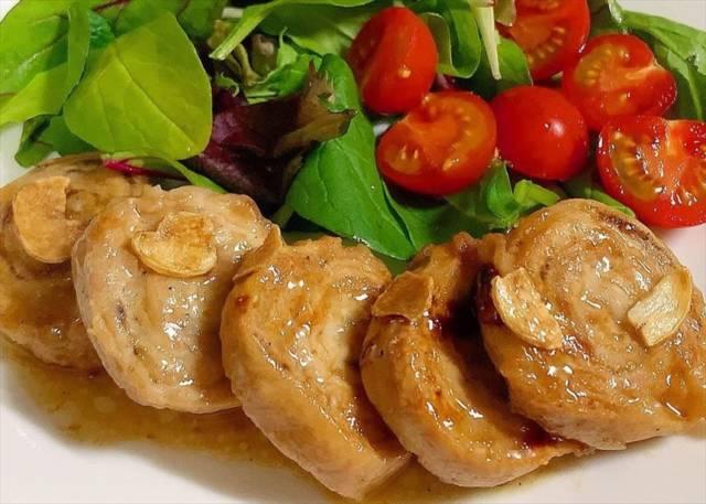 豚ロースのロールステーキ(ガリバタソース)