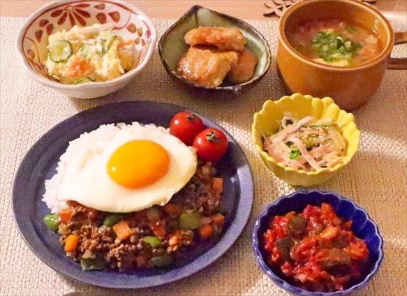 キーマカレーと作り置きの副菜