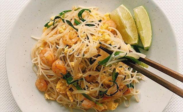 タイ料理のパッタイ