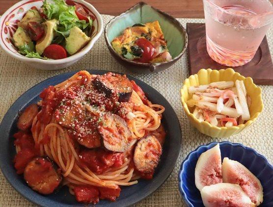 ナスとベーコンのトマトパスタ
