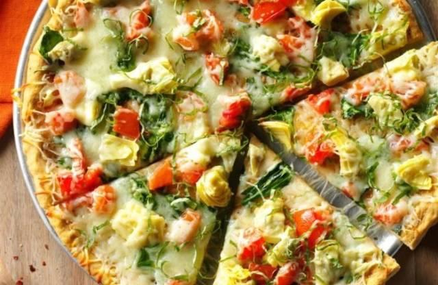 ほうれん草とアーティチョークのピザ