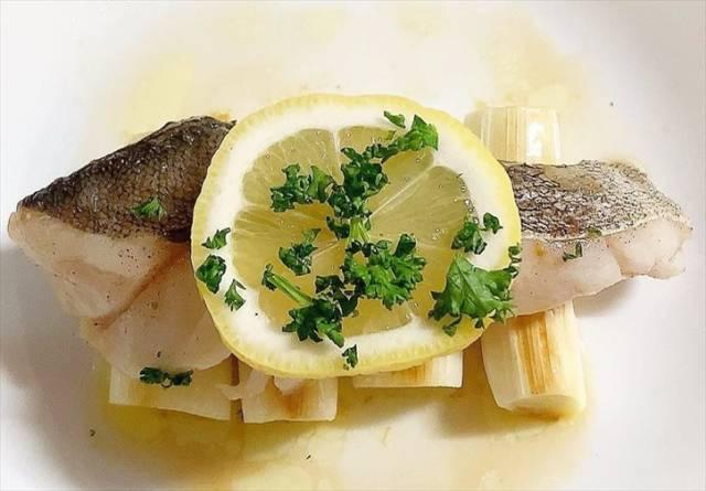 白身魚と長ねぎのポワレ